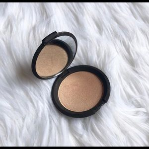 BECCA Prosecco POP Highlighter